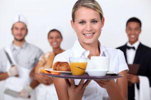 Ravintolahenkilökuntaa Extra Voima